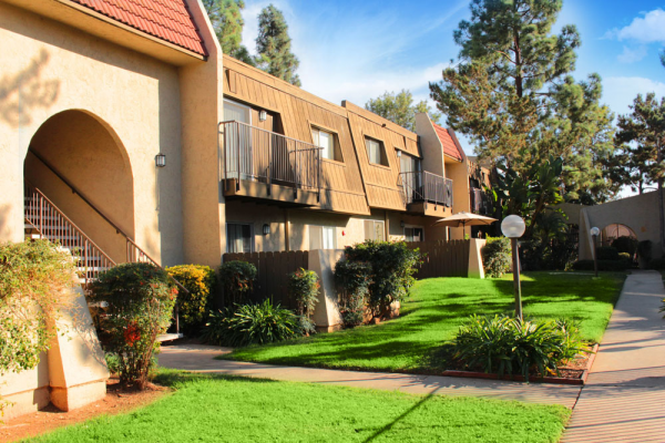 Thank you for viewing our Exteriors 7 at Teton Pines Apartments in the city of Escondido.